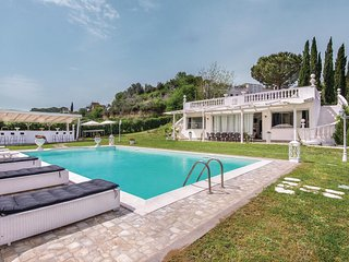 Amazing home in Roma w/ WiFi, 0 Bedrooms and Outdoor swimming pool
