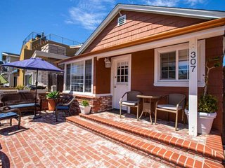 Newly Listed! Great Family Spot -2 Blocks to Beach, AC, Parking, Huge Private Pa