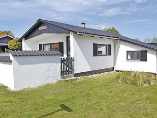Nice home in Rønde w/ WiFi and 2 Bedrooms (D50295)
