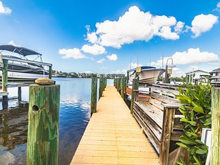 Bayside Retreat | 3-Bedroom & 2-Bath w/ Private Boat Dock