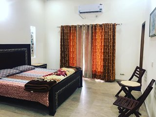 Elegant House Separate Portion in Bahria town Lahore
