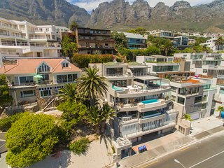 Nyasha Penthouse - 117 Victoria Road, Camps Bay