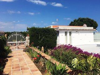 Luxury Villa Panorama with panorama sea-view, beautiful garden and large pool