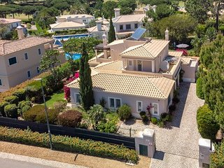 Golfers Paradise - 4 beds villa with own pool and garden in heart of Vila Sol