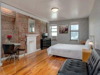 Modern studio apartment in Midtown East, Manhattan
