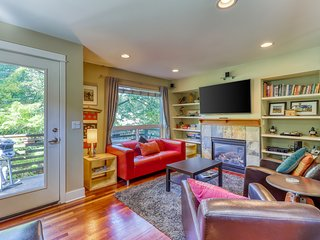 Gorgeous home in great neighborhood - Steps away from Fremont Troll!