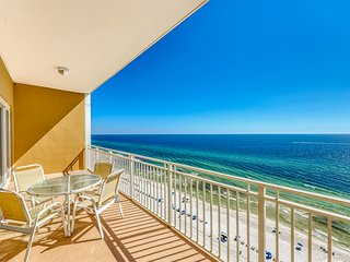 Beach, gulf front condo with private balcony & beach views - pool & gym!