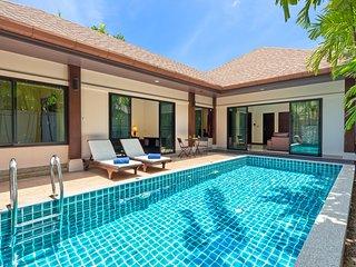Inviting 2B Thai-Balinese Pool Villa, Rawai Beach