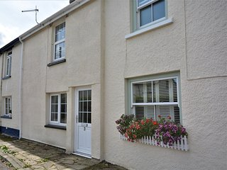 76568 Cottage situated in Buckland Brewer