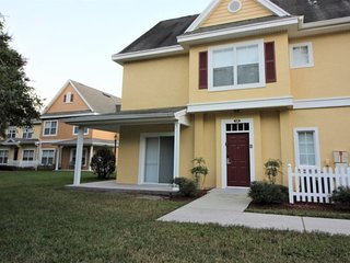 Affordable Venetian Bay Townhouse with Room for Ten