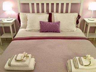 Eleganti e confortevoli camere in casa stile liberty, nel vero cuore di Acireale