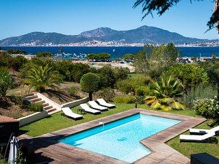 Porticcio centre : villa vue mer, piscine chauffée