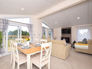 76514 Log Cabin situated in Sidmouth (7mls N)