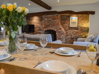 Pinfold Cottage - Chestnut Farm Cottages, York