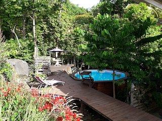 Villa Lorevana a 400 metres de la plage de Grande Anse, vue mer
