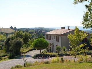 Domaine de la Goutine, maison de prestige, 20 personnes, piscine chauffee