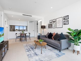 Modern Apartment With Sweeping Views on Chapel St