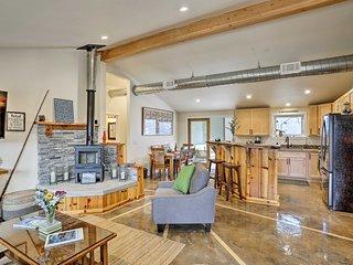 Arcata Area Home w/ Courtyard, 10 Mi to Coast