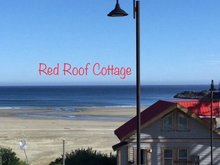 Red-Roof Cottage this cottage is 15 feet to beach