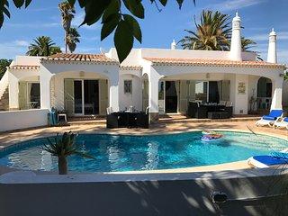 4 Bed Villa with pool all en suite with sea views
