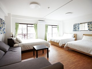 Asakusa 2nd Floor . BIG Asakusa Family Home. Convenient, Quiet & Comfy