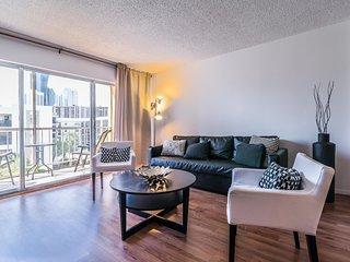 Marbella Deluxe Apartments - A / 1 Bed/ 1.5 Bath