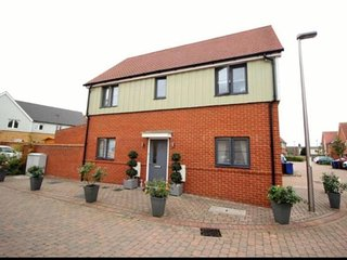 Luxury 3 Bedroom Detached in Grays Near London, Essex & Dartford