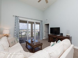 Beautiful sunsets from this TOP FLOOR PENTHOUSE Cinnamon Beach condo -963!
