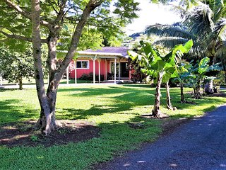 Ocean/Mountain View Cottage. Private Island Retreat. Great Rates.