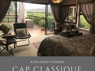Cap Classique Suite - Kingsize bed, Aircon with stunning views incl breakfast