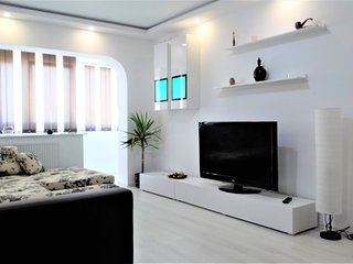 Bright,new and stylish 2 BR apartment in Bucharest