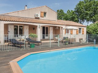 Beautiful home in Montblanc w/ WiFi, Outdoor swimming pool and 4 Bedrooms (FLH23