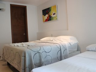 Barrio Bocagrande Apartment Sleeps 7 with Pool Air Con and WiFi - 5811172
