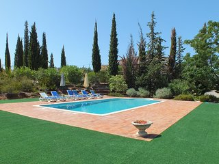 Corotelo Villa Sleeps 6 with Pool Air Con and WiFi - 5604863