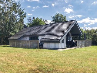 Awesome home in Glesborg w/ 3 Bedrooms and WiFi (D73603)