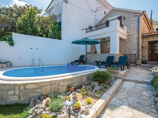 Beautiful home in Benkovac w/ WiFi, Outdoor swimming pool and 2 Bedrooms
