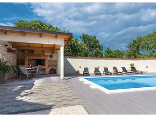 Amazing home in Kljuc w/ WiFi, 3 Bedrooms and Outdoor swimming pool