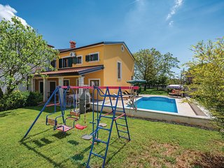 Nice home in Zminj w/ WiFi and 3 Bedrooms