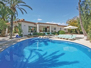 Awesome home in Nucleo L'Albir w/ WiFi, Outdoor swimming pool and 6 Bedrooms
