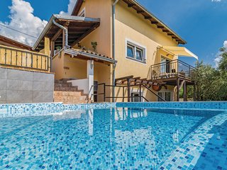 Stunning home in Sveti Donat w/ Jacuzzi, WiFi and 3 Bedrooms (CIC627)