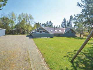 Awesome home in Rømø w/ WiFi and 4 Bedrooms (R10172)