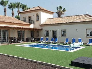 Luxury 5 Bedroom Villa with Private Swimming Pool