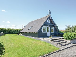 Nice home in Rønde w/ WiFi and 2 Bedrooms (E4026)