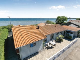 Stunning home in Kalvehave w/ WiFi and 2 Bedrooms