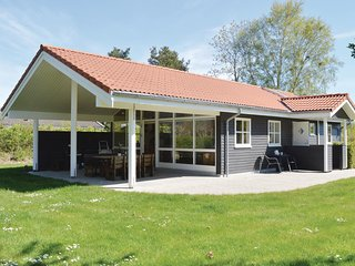 Awesome home in Vejby w/ 3 Bedrooms