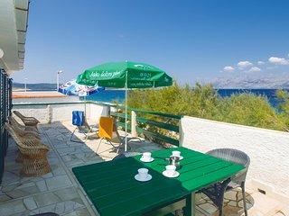 Nice home in Povlja w/ WiFi and 2 Bedrooms (CDB426)