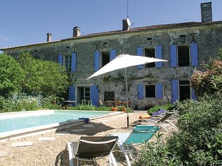Awesome home in Lacaud w/ WiFi, Outdoor swimming pool and 4 Bedrooms
