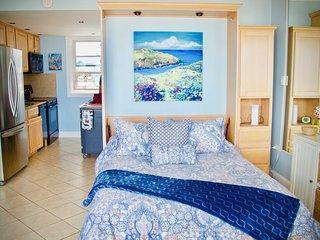 Oceanfront VA Beach Studio w/ Views & Pool Access!