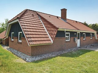 Nice home in Fanø w/ Sauna, WiFi and 5 Bedrooms