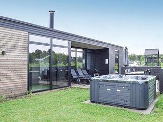 Amazing home in Juelsminde w/ Sauna, WiFi and 4 Bedrooms